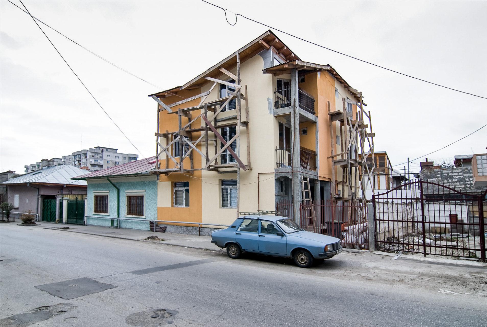 Gevelversterking, Boekarest Roemenië 2007.